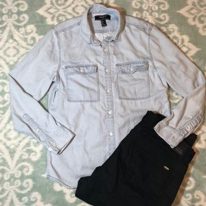 Forever 21 Men's Button Up Denim Flap Pocket Shirt